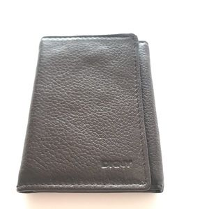 DKNY leather wallet in brown NWOT